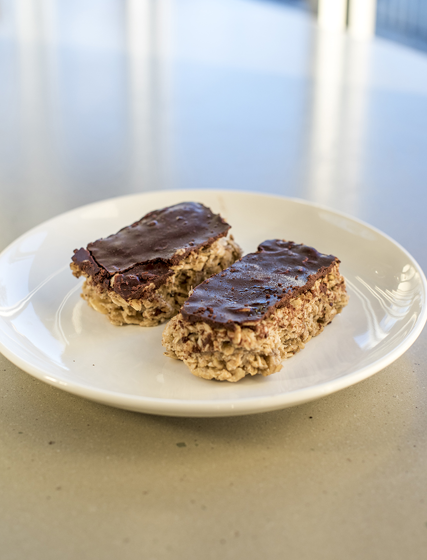No-Bake Chocolate Oat Bar